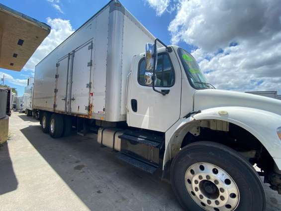 2014 freightliner m2 dry box 26ft
